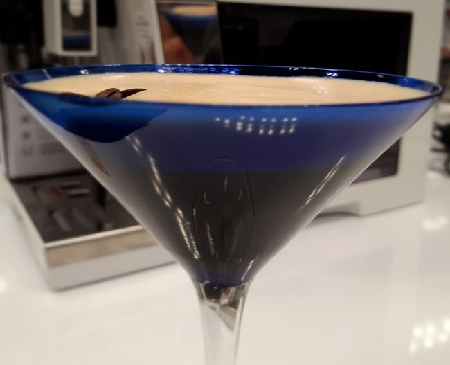like silk.. Caffeinds 👌 Lovers Of Coffee Best Of Both Worlds Visual Creativity Coffee Beans Loving My Life Espresso Martini Crema👌 I Made This Why Not Cheers Drink Alcohol Drinking Glass Cocktail Martini Glass Close-up Food And Drink Martini Ice Cube Vodka Iced Coffee Liqueur