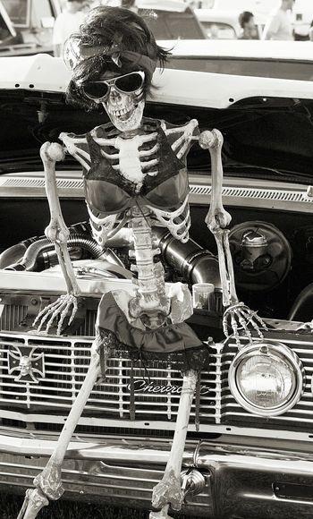 Black And White Vertical Antique Old-fashioned Route 66 Black And White Photography Blackandwhite Supermodel GenderEquality Riotsnotdiets Classic Car Classic Cars Skeleton Bikini Bikinimodel Bikinis Bikinibody