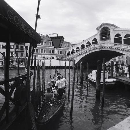Gondola Venice, Italy Venice Italy Rialtobridge Love #B/N