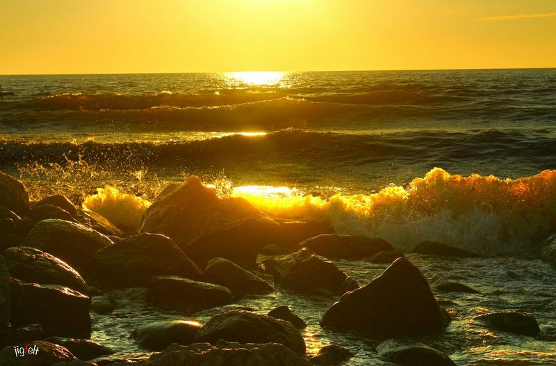 Sunset Water_collection Water Like Gold Sunset_collection EyeEm Best Shots Eye4photography  Waves Waves Crashing Nature_collection EyeEm Nature Lover 43 Golden Moments