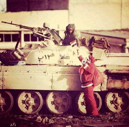 😘🎅🇮🇶 Army New Year Around The World
