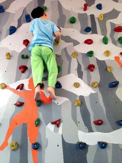 Falmászó Showcase: December Sunday Ho Chi Minh City Saigon Vietnam Vietnamese Hello World IPhone Climbingwall Boy Rock Climbing Climbing Grey Colors Leisure Activity Outdoors Kindergarten Wallclimbing Sport Kids Urban