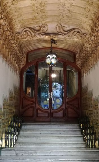 Architecture City Walking Beauty Barcelona Window Day Outdoors Indoors  Gracia Built No People Built Structure Nohurry Raconets Building Door Entrance Building Exterior House Ornate Lovely Art