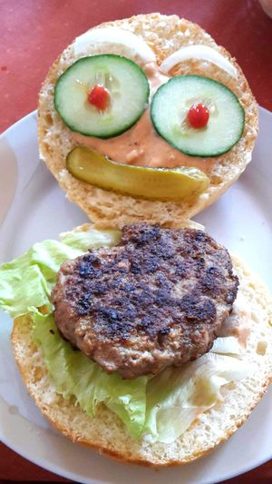 Food Food And Drink Plate Burger Appetizer Indoors  Ready-to-eat No People Sweet Food Lifestyles Healthy Eating Ready-to-eat Indoors No People Appetizer Sweet Food Lifestyle Freshness Close-up Day