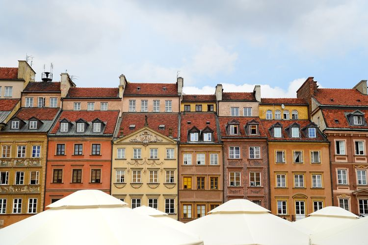 the old town in Warsaw Old Town Poland Warsaw Apartment Architecture Building Building Exterior Built Structure City Cloud - Sky Day Europe Historic House No People Outdoors Residential District Roof Side By Side Sky Town Travel Destinations Umbrella White Color Window