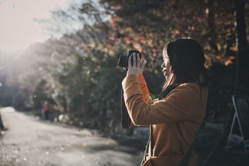 Snap Light And Shadow Japan Vscocam Streetphotography Nature Bokeh Photography Themes Photographing Technology Camera - Photographic Equipment Holding Activity Real People