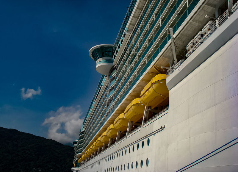 Starboard Side of a Huge Cruise Ship Cruise Cruise Ship Cruise Ships Cruiseship Cruiseships Labadee  Ship Ships Ships⚓️⛵️🚢 Ships🚢 Starboard Vessel Vessel In Port Vessels Vessels In Port