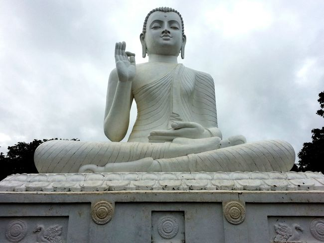 Statue Statues Traveling Share Your Adventure Big Buddha Buddha Sri Lanka Traveling In Sri Lanka