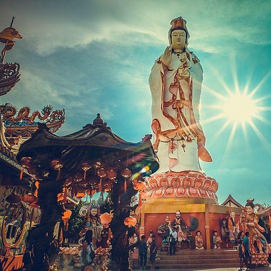 Guan Yin . . . Fujifilm Fujixm1 Guanyin Statue Sculpture Archilovers Lightroom Holidays InstaPlace Thailand Thaistagram Ig_thailandia Igersworldwide Igglobalclub Daytime Sunshine Tremendous Thailand_allshots Capture_today Snap Travelgram Igoftheday ASIA Exotic