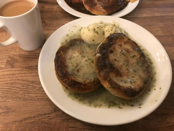 Double Pie & Mash Mashed Potatoes Greenwich Cup Of Tea Pie And Mash Liqour Traditional London British Food British Mash Pie Freshness Serving Size Indulgence No People Indoors  Drink