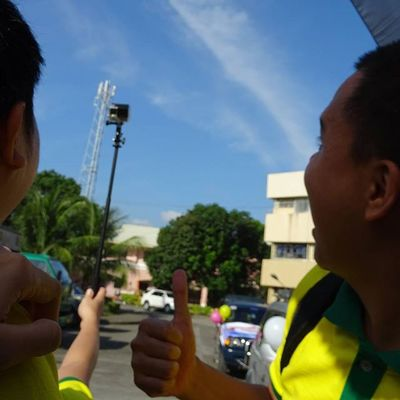 Thumbs up for more flicks during CRMC 100 Centum. CRMCgoes100 Customerssatisfaction Motorcade ICAN XPERIA SonyGLens Sony Sonydscqx30 BeMoved DemandGreat Onboard Skillshare @sonyphinc
