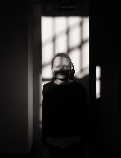 Shadowmaiden - MAinLoveWithLightAndShadow and Little Girl Growing in Light And Shadow Shadow And Light Indoors  Child Childhood Children Children Photography Mono Monochrome Monochromatic Black And White Bnw Bnw_collection Bnw_captures Bnw Photography Bnw_maniac Portrait Portraits Portrait Photography Portraiture Portrait Of A Girl How I See People - 14.01.2018 - #Lichtwerk #Bielefeld