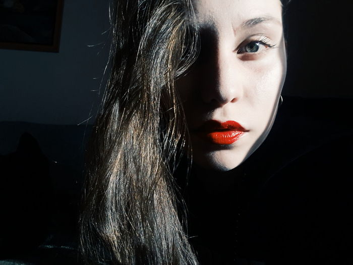 Energías... 🍀💫🌺❤ Light Human Lips Halloween Witch Portrait Beautiful Woman Beauty Black Background Human Eye Young Women Human Face Ghost
