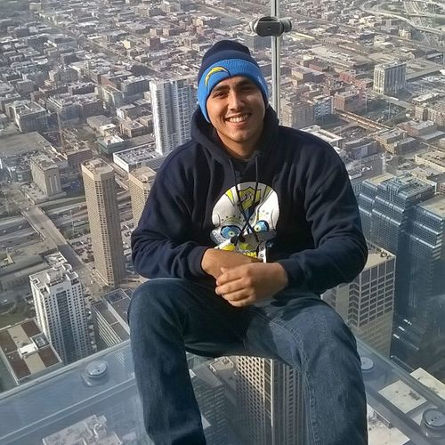 Reppin my @chargers in Chicago @SkydeckChicago 103 stories up!! Boltup ⚡⚡⚡ Chargers  Highvolatge @highboltage