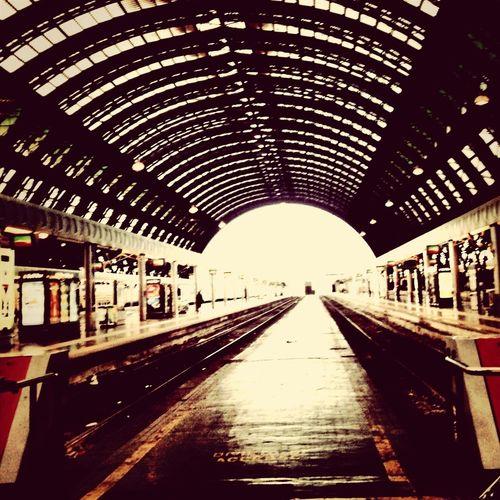 Train Station Comebackhome Holiday Milano