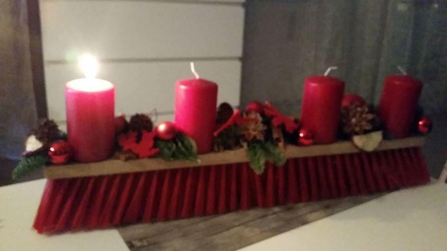 Adventsbesen Adventszeit Advendsbesen Ein Kranz Hat Ja Jeder Voll Cool 1. Advent Rote Kerzen Red Flame