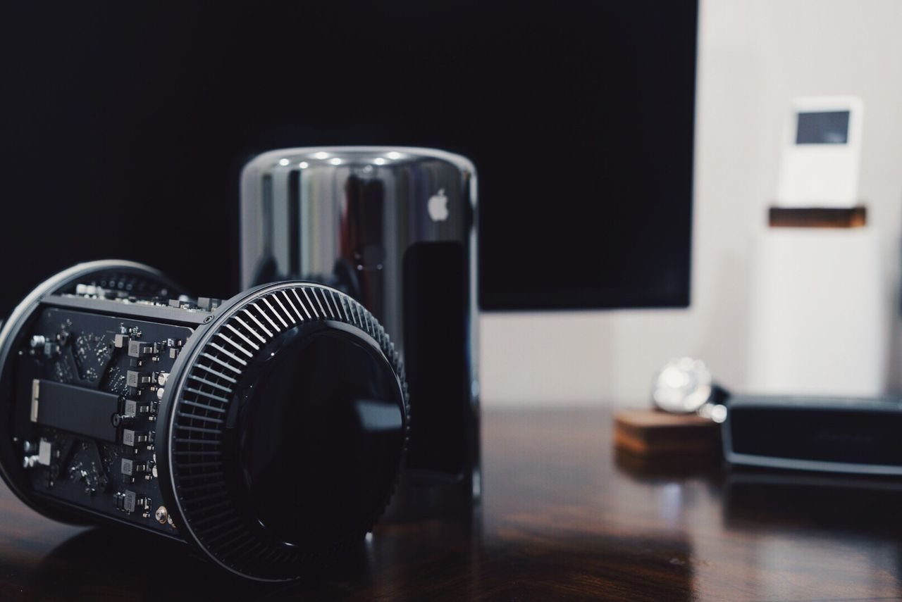 camera - photographic equipment, table, photography themes, indoors, technology, focus on foreground, selective focus, no people, close-up, camera, day