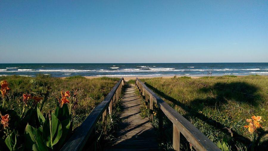 Photo captured in Ormand Beach, Florida with my HTC One M8 Florida Beach Htconem8 Being A Beach Bum