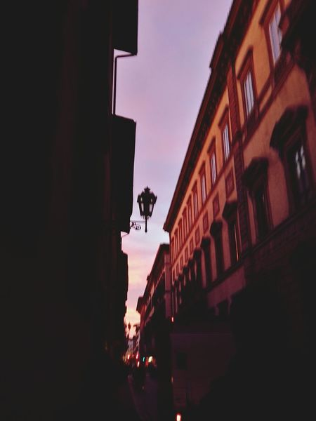🌇 Streetphotography Sky Italy🇮🇹 Fall🍁 IloveIT ♡ City Florence Italy Beautiful Nature Landscape Nature Day Finally Confusion Illusion. Cloudy Day