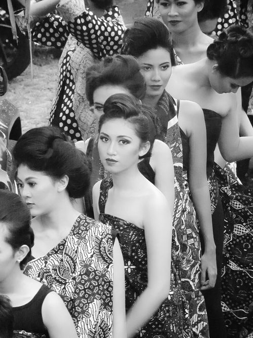 Batik in Siliran Fest 2015 yogyakarta Batik Streets Of Yogyakarta Yogyakarta,indonesia Black And White Javanese Beautiful ♥ Beautiful Girl in Batik Pattern