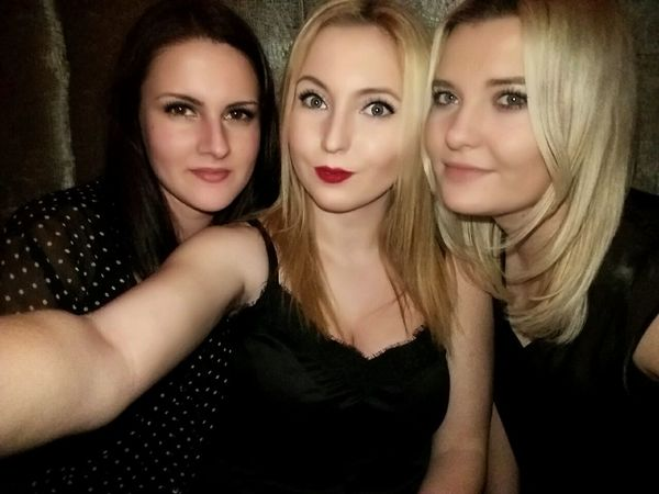 NightOut✨ Friends ❤ Friendship Goals Lovethisgirls Home Sweet Home ♥ Saturday Night :)