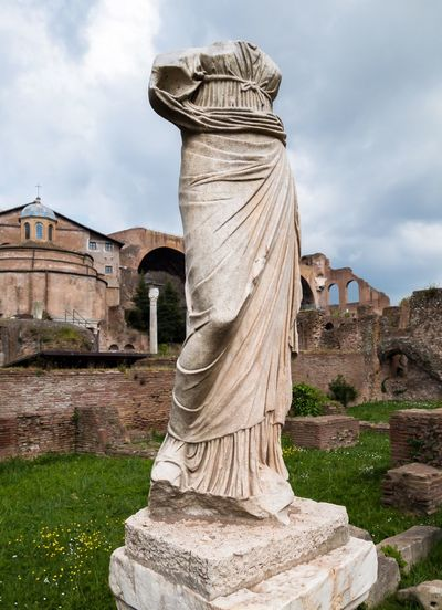 Human Representation Architecture Sculpture History Old Ruin Statue Ancient Civilization Stone Romans Rome Roma Italia Italy 🇮🇹 EyeEmNewHere Roman Forum Roman Ruins Ruins Forum House Of The Vestal Virgins Travel Destinations Carved Stone Roman Empire Headless Travel