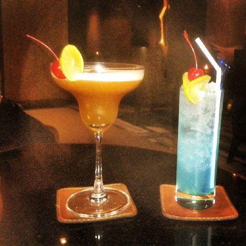 Kein Schirmchen, aber dafür Cocktailkirsche ,) Tuktuk Thailand and Blue Hawaii .... ♡♥♡