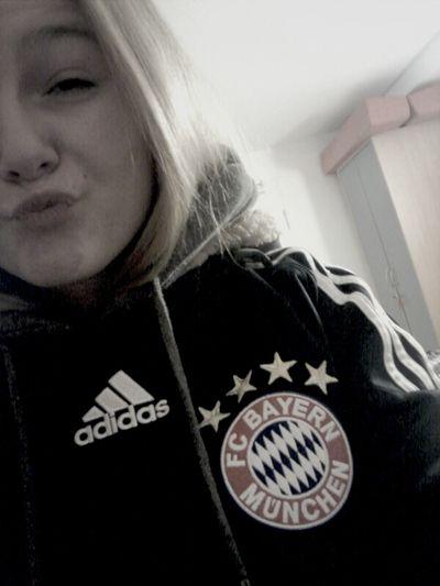 echter Fan, haha <3 Love Fans So True Likeforlike Fc Bayern München Echter Fan Bester Verein