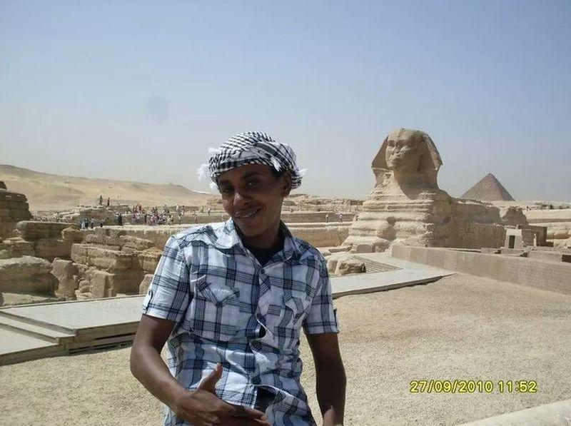 Pyramids of Egypt 2010 Taking Photos That's Me