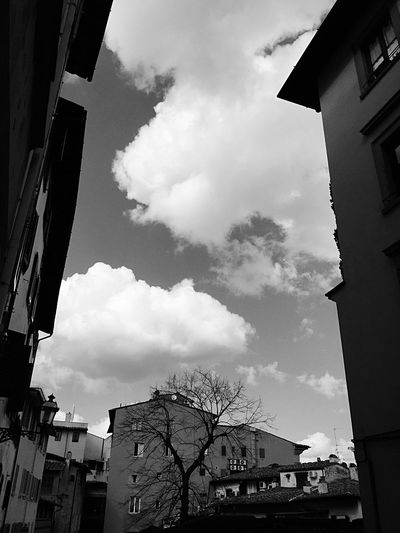 Architecture Building Exterior Built Structure Sky Low Angle View Cloud - Sky Outdoors Day City No People