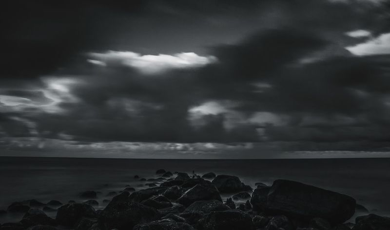 Dark ocean Cloud - Sky Sea Sky Nature No People Horizon Over Water Outdoors Beauty In Nature Water Landscape Taking Photos Canon Photography Denmark Danmark Blåvand Ocean Rocks Clouds