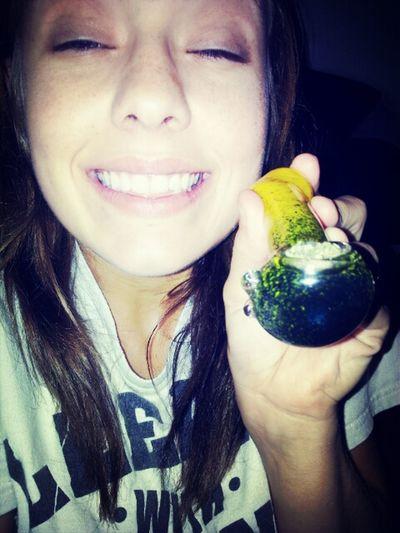 high, I'm kailey. Cannabisqueens Weed Girlswhosmokeweed