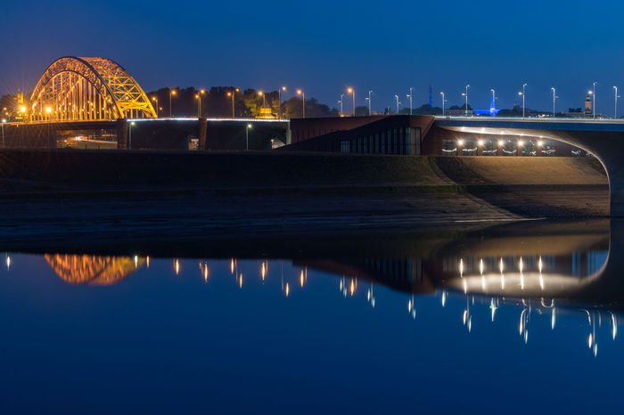Curve Light Lights Nederland Netherlands Nevengeul Nijmegen Nijmegencity Reflection Reflections River Rivier Waal Waalbrug Nijmegen Water Water Reflections