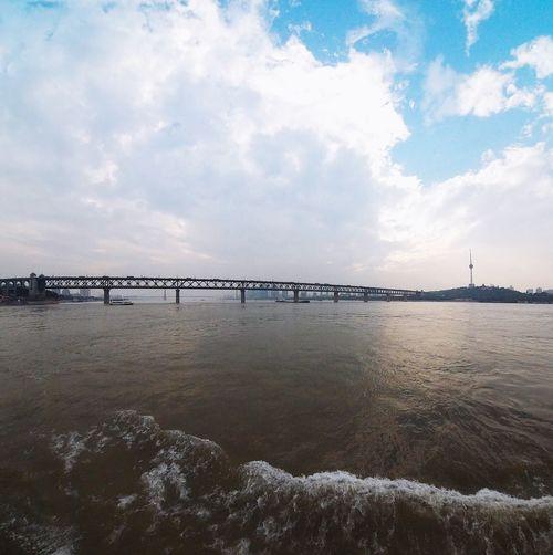 渡輪上的長江大橋 Wuhan Ferry PIXPRO360