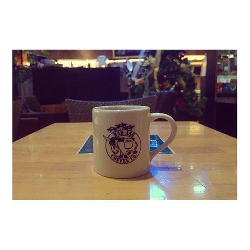 Chillin at Badasscoffee ...☕💕 It would be PERFECT if I had HulaPie tho😢 あーあったかいとこ行きたひ。 Coffee Coffeetime Coffeeshop Konacoffee Chilly Winter Hellodecember Japan Chiba Makuhari 海浜幕張