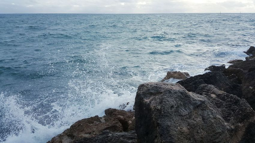 Horizon Over Water Beauty In Nature Power In Nature Oceanscape Seascape Rocks And Water Stormy Weather Rock - Object Crashing Waves  Indian Ocean Australia Ocean_collection Sea_collection Sea Water Scenics Nature Wave Rock Formation Surf Breaking Ocean Photography Rocky Coastline Oceanside Solitude