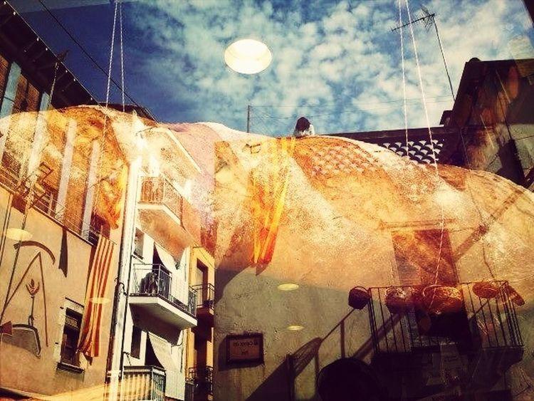 Reflex d'una realitat The Sky Photo Escaparates Streetphotography