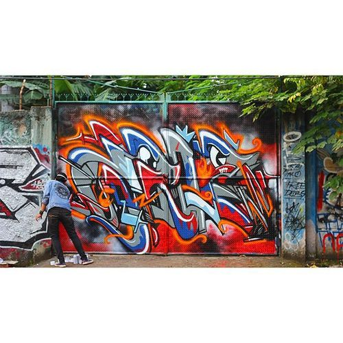 In action Latepost Graffiti Art Streetart Street Bombing Cans Wall Zrie73 Drawing Wildstyle Font Typography City