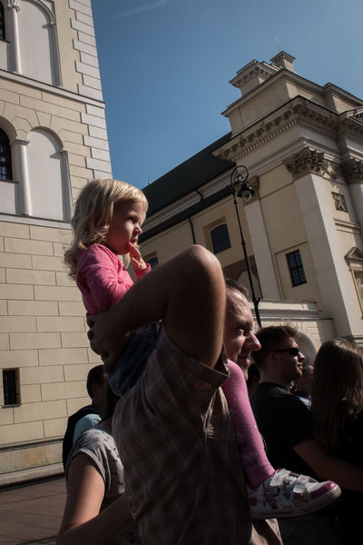 Child City Daughter Europe Father Girl Girls Lifestyles People Person Poland Smiling Street Street Photography Streetphotography Warsaw