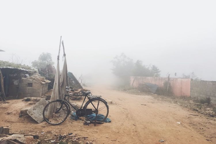 Cycle Fog Weather Mode Of Transport No People Land Vehicle Outdoors Day Nature Sky Slum Dwellers Lieblingsteil Break The Mold Shades Of Winter