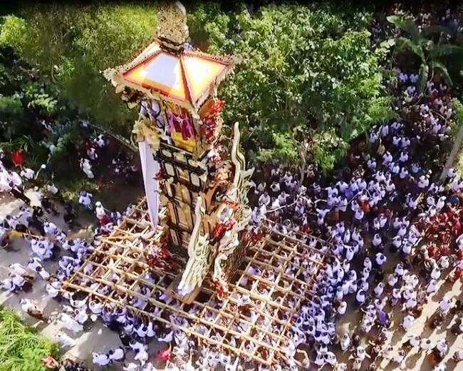 """On the way to """"heaven"""" Ngaben Bademas Cremation Balinessecremation Backtonature Colosal Togetherness Culture Tradition Sacral Hindu Bali INDONESIA"""