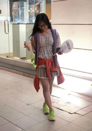 Nhìn vậy ai nói gai Sì Gòn chết liền :))) Adult Beautiful Childhood Cute Girl Night Peach Tea Purple Red Saigonese Short Standing Vietnamese