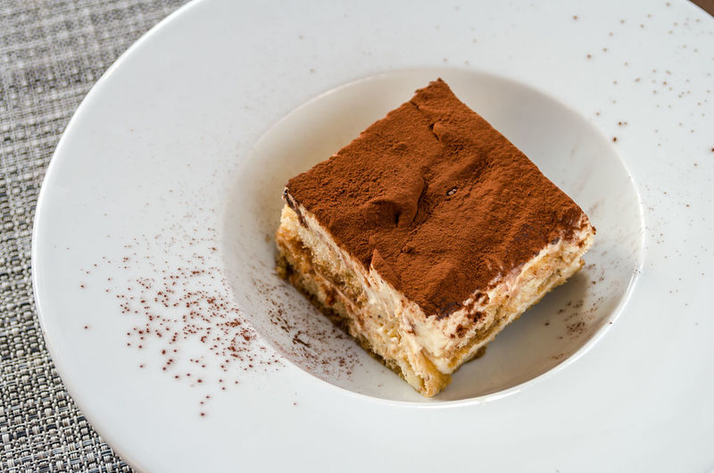 Meal Cake Chocolate Cake Dessert Food Food And Drink Foodphotography Freshness Garnish Gourmet Healthy Eating Indoors  No People Organic Plate Ready-to-eat SLICE Still Life Sweet Sweet Food Table Tabletop Tiramisu Wellbeing Yummy