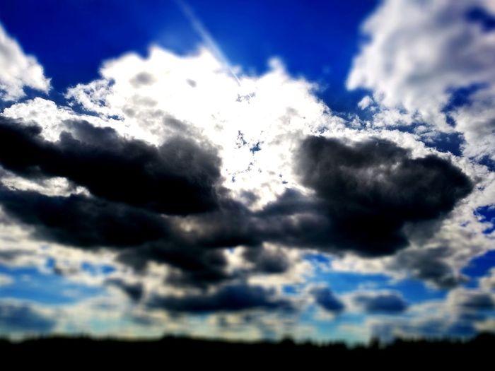 Cloud - Sky Sky Cloudscape Nature Blue Sunlight Outdoors Scenics Day No People Beauty In Nature Himmelskunst Himmel Und Wolken Himmelblau Sonnenstrahlen Sonnenlicht Taunusstein First Eyeem Photo