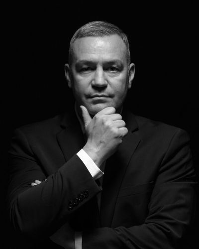 Black Background Portrait Men Suit Studio Shot Looking At Camera Mid Adult Mid Adult Men Film Noir Style Hollywood - California Spy Detective Thoughtful Human Face Organized Crime Gangster Art Deco