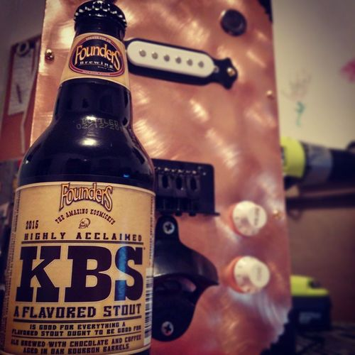 This week is a wrap! Top it off the right way! Founders Kbs Coppertop Scratchguitars donecook chocolatebeer