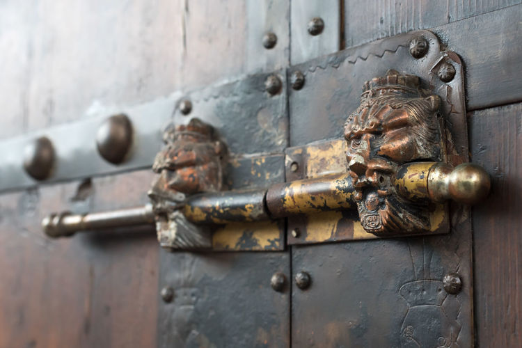 chinese old door Bronze Chinese Chinese Door Chinese Door Knocker Close-up Closed Day Door Entrance Focus On Foreground Knob Knocker Latch Lock Metal No People Old Outdoors Protection Rusty Safety Security Weathered Wood - Material