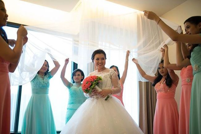 bridesmaids. 👰💖👚 🎥 vimeo.com/ripplesoflife 📷 fb.com/ripplesoflifephotography 💌 ripplesphotography@gmail.com ☎ 09223450887 Weddings Photographer Church Dress Love Ripplesoflife Videographer Philippines Girls Fashion Photography Ootd Bride Style Model