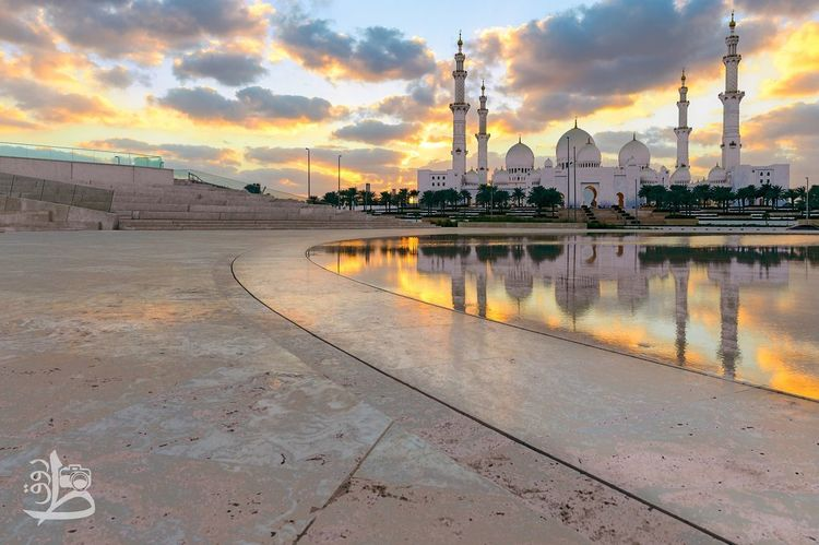 Islamic sunset 🌍⛅️ Reflection Relegion Relegion Islam Islamic Architecture Mosque Architecture Mosque Sky Cloud - Sky Sunset Architecture Built Structure Outdoors No People Water Building Exterior City Day