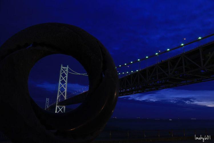 フユにゃんの声、めっちゃカッコイイと思ったらエレンの声と一緒なのか。納得。 Japan EyeEm Best Shots Nightphotography Bridge